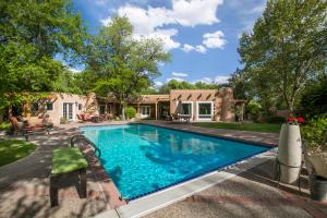 Property for sale at 6409 Avenida La Cuchilla NW, Los Ranchos,  NM 87107