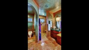 2nd_Master_Bathroom_1