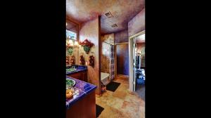 Jack_&_Jill_Bathroom