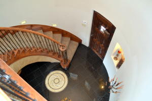 Entry w Spiral Staircase