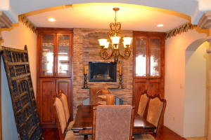 Dining room w fireplace