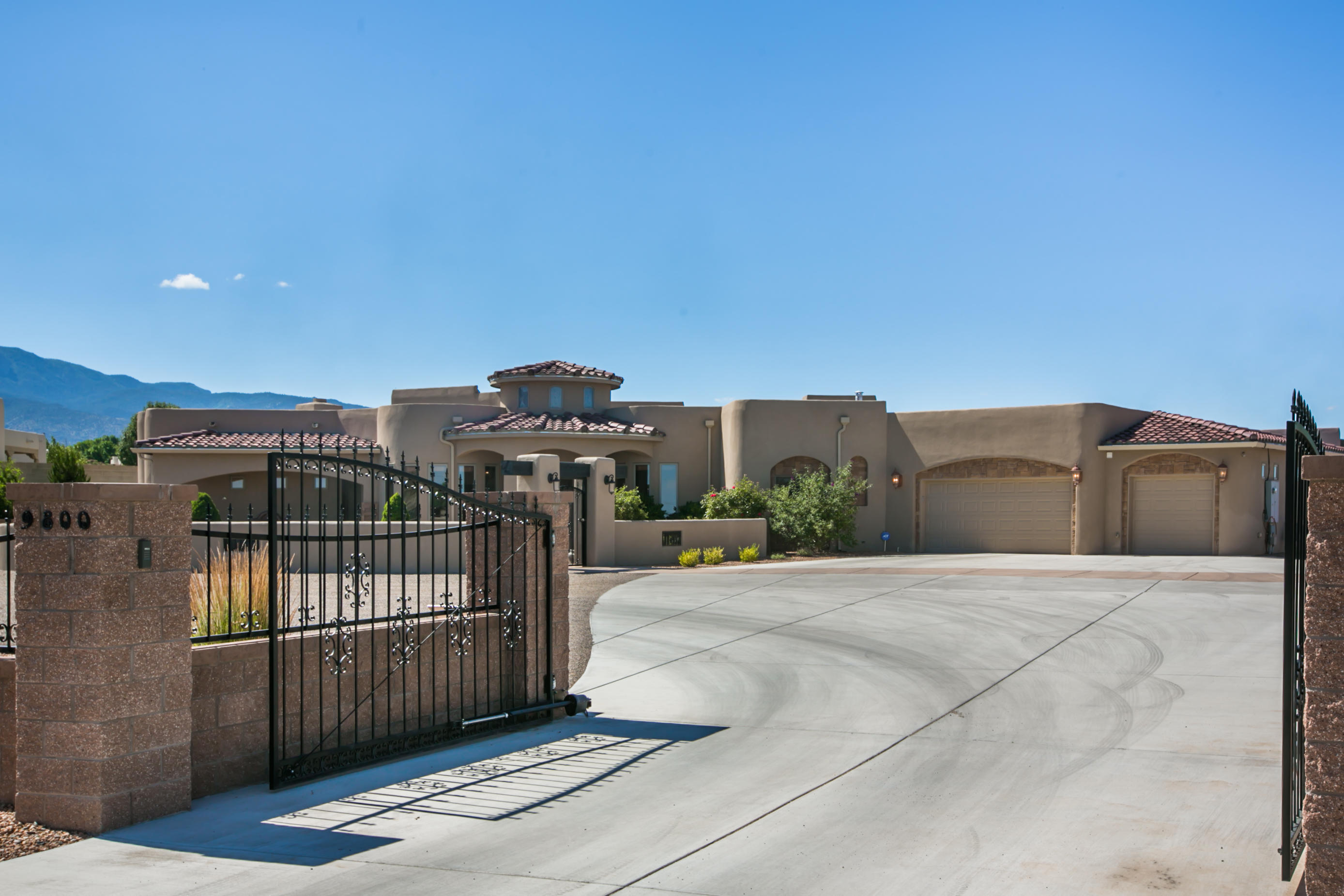 9800 SIGNAL AVENUE NE, ALBUQUERQUE, NM 87122