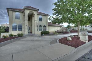 Property for sale at 225 Camino De La Sierra NE, Albuquerque,  NM 87123
