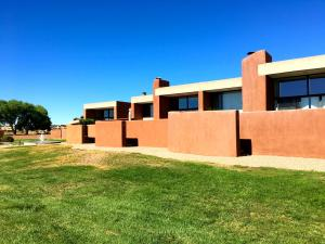9 Pool Street NW Albuquerque, NM
