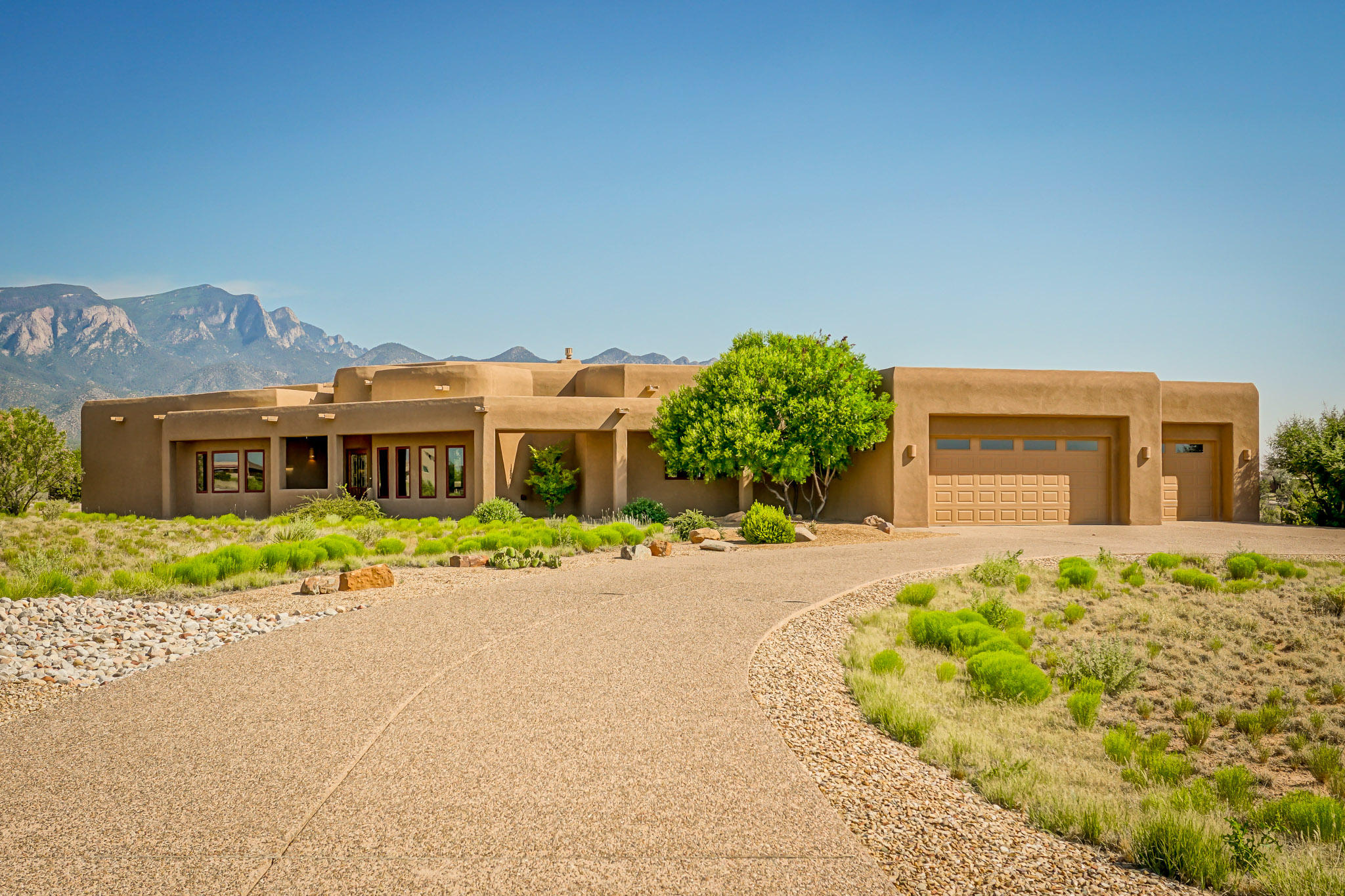 10 CEDRA COURT, PLACITAS, NM 87043