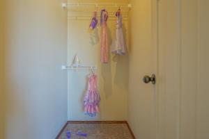Bedroom_Two_Closet