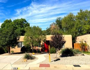 319 Amherst Drive SE Albuquerque, NM