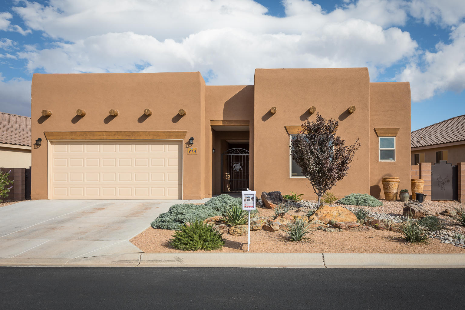 924 SALT CEDAR COURT, BERNALILLO, NM 87004