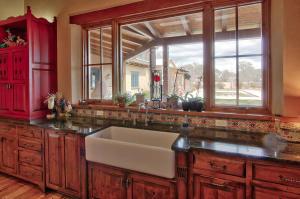 Kitchen/Farm Sink
