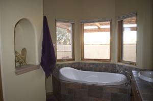 36 M Bath