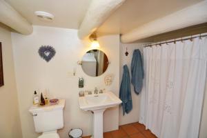 G Bathroom 3