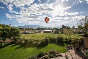 627 Paseo Del Bosque (balloons) HiRes-11