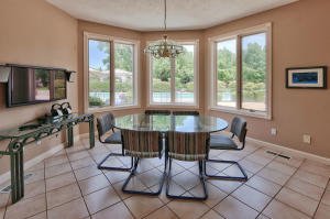 Breakfast nook in Kitchen