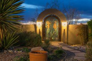 Backyard Gate w/Lights