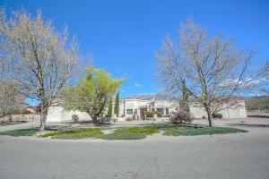 9900 SAN BERNARDINO DRIVE NE, ALBUQUERQUE, NM 87122  Photo 1