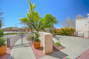 9900 SAN BERNARDINO DRIVE NE, ALBUQUERQUE, NM 87122  Photo 9