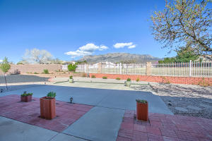 9900 SAN BERNARDINO DRIVE NE, ALBUQUERQUE, NM 87122  Photo 4