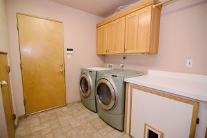 Audh - laundry