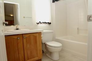 Hall Bath-3