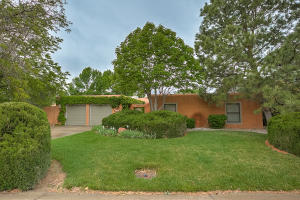 Property for sale at 3227 Calle De Estella NW, Albuquerque,  NM 87104