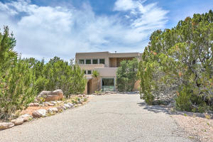 1053 RED OAKS LOOP NE, ALBUQUERQUE, NM 87122  Photo 1