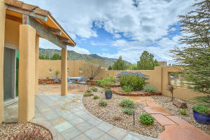 6104 BUFFALO GRASS COURT NE, ALBUQUERQUE, NM 87111  Photo 11
