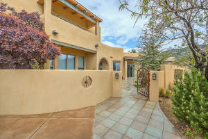 6104 BUFFALO GRASS COURT NE, ALBUQUERQUE, NM 87111  Photo 7