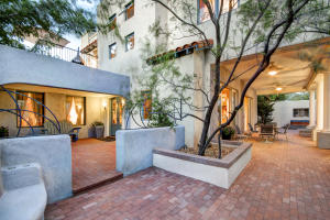 Property for sale at 610 Richmond Drive NE, Albuquerque,  NM 87106