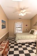 9_Shady_Lane_Apartment_Bedroom