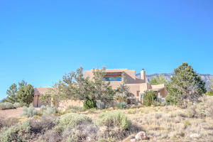 6104 BUFFALO GRASS COURT NE, ALBUQUERQUE, NM 87111  Photo 1