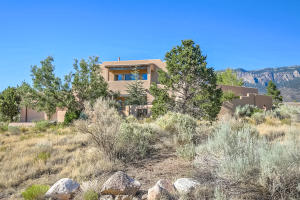 6104 BUFFALO GRASS COURT NE, ALBUQUERQUE, NM 87111  Photo 2