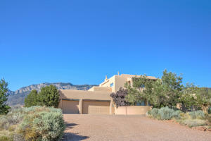 6104 BUFFALO GRASS COURT NE, ALBUQUERQUE, NM 87111  Photo 3