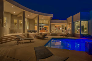 Outdoor Living Area/Pool