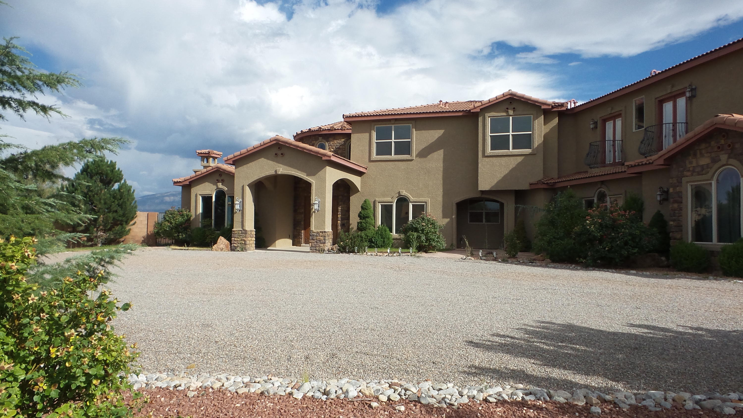 5016 FRONTIER ROAD NE, RIO RANCHO, NM 87144