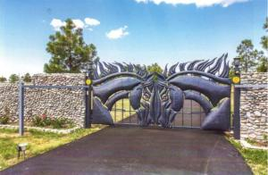 1 1 HORSE HEAD GATES CLOSED VIEW
