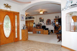 3 FRONT ENTRY WAY