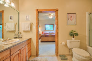 3 JACK N JILL BATHROOM (1)