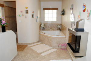3 MASTER BATHROOM