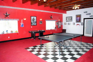 4 RECREATION ROOM