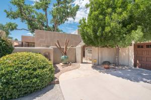 Property for sale at 9614 Thomas Lane NW, Albuquerque,  NM 87114