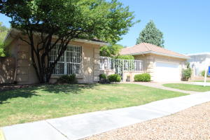 Property for sale at 5825 Mimosa Place NE, Albuquerque,  NM 87111