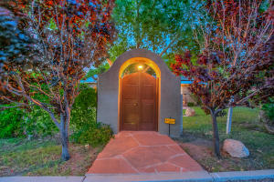Property for sale at 1001 Los Arboles Avenue NW, Albuquerque,  NM 87107