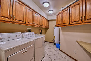 2108 Campbell Rd NW-large-038-14-Campbel