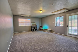 2108 Campbell Rd NW-large-039-32-Campbel