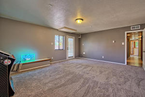 2108 Campbell Rd NW-large-040-50-Campbel