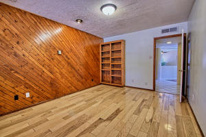 2108 Campbell Rd NW-large-043-82-Campbel