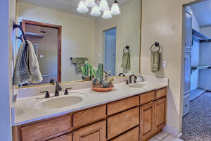 2108 Campbell Rd NW-large-055-76-Campbel