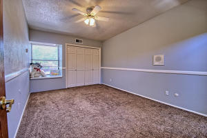 2108 Campbell Rd NW-large-064-49-Campbel