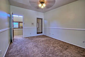 2108 Campbell Rd NW-large-068-60-Campbel