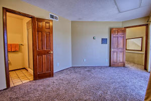2108 Campbell Rd NW-large-070-45-Campbel
